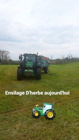Ensilage d'herbe  La Ferme De Reculefort à La Tour Du Pin